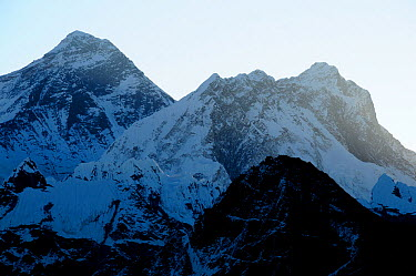 Everest (8848m), Lhotse (8501m) and Makalu (8463m) seen at sunrise from Gokyo Ri (5360m) Sagarmatha National Park (World Heritage UNESCO) Khumbu, Everest Region, Nepal, Himalaya, October 2011  -  Enrique Lopez Tapia/ npl
