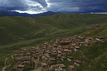 Rewu Tibetan monastery, on mountain slope, Daocheng, Sichuan Province, Qinghai-Tibetan Plateau, China, August 2010  -  Dong Lei/ npl