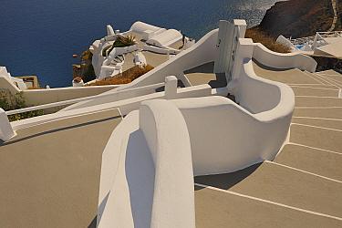 Traditional Cycladic houses and steps, Oia, Santorini, Thira Island, Greece, May 2009  -  Loic Poidevin/ NPL