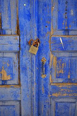 Locked blue door, Santorin Island, Greece, May 2009  -  Loic Poidevin/ NPL