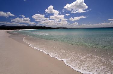 Binalong Bay with beach and a headland clad in granite boulders, Bay of Fires, Tasmania, Australia  -  Steven David Miller/ npl