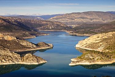 Santa Anna reservoir, Noguera Ribagorzana, Lleida Province, Spain, January  -  Juan Manuel Borrero/ npl