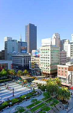 Looking down on Union Square, in downtown San Francisco, California, USA 2011  -  Gavin Hellier/ npl