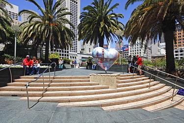 Union Square, Downtown, San Francisco, California, USA June 2011  -  Gavin Hellier/ npl