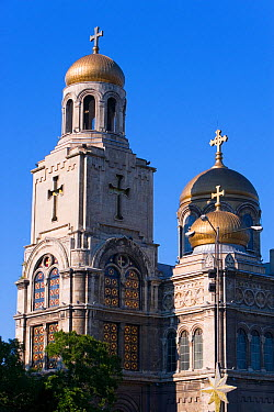 Cathedral of the Assumption of the Virgin, built between 1880 and 1886 is the main symbol of the city with it's gold domes and stained glass windows, Varna, the chief city of the Black Sea, Bulgaria,...  -  Gavin Hellier/ npl