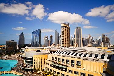 Dubai Mall, the largest shopping Mall in the world, part of the Burj Khalifa complex, the 20-billion-dollar project has 1,200 shops, Dubai, United Arab Emirates, 2011  -  Gavin Hellier/ npl