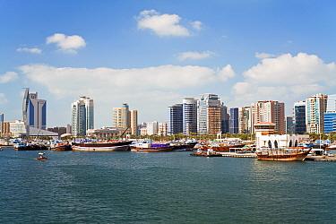 View across Dubai Creek (Khor Dubai), Dhow Wharfage and commercial centre, Deira, Dubai, United Arab Emirates, 2011  -  Gavin Hellier/ npl