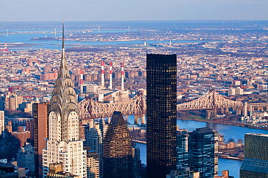 Elevated view of mid-town Manhattan, the Chrysler Building and Queensboro Bridge, Manhattan, New York City, USA 2009  -  Gavin Hellier/ npl
