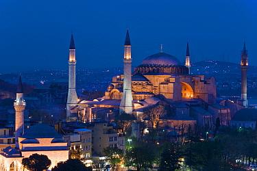 Elevated view of Aya Sofya or Hagia Sophia at dusk (Sancta Sophia) in Sultanahmet, a UNESCO designated World Heritage site in Istanbul, Turkey, 2008  -  Gavin Hellier/ npl