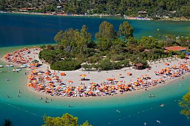 Aerial view of the famous Blue Lagoon and Belcekiz beach along the 'Turquoise' coast, Oludeniz near Fethiye, Mediterrean Coast, Turkey 2008  -  Gavin Hellier/ npl