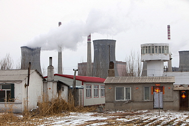 Coal fired power station, Harbin, Heilongjiang Province, China. March 2009. In 2008 China officially became the worlds largest emitter of greenhouse gases.