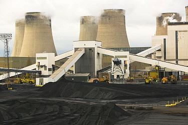 Ratcliffe on Soar coal fired power station in Nottinghamshire, UK, November.
