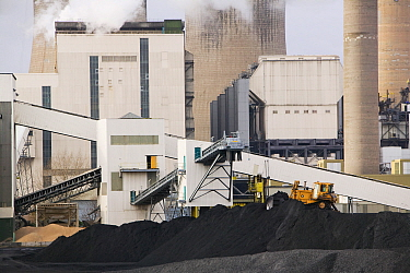 Ratcliffe on Soar coal fired power station in Nottinghamshire, England, UK, November.