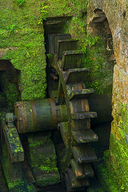 Water wheel on  The Holy Road Lebaniego, Ferrer�a de Cades,  Herrer�as, Cantabria, Spain.