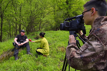 Wildlife photographer Staffan Widstrand being interviewed by Sichuan TV, Tangjiahe National Nature Reserve, Qingchuan County, Sichuan province, China