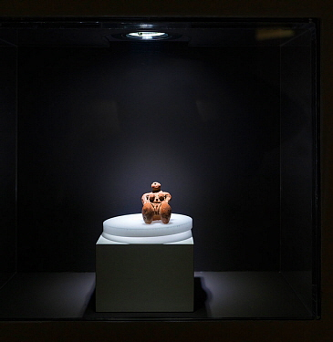 Ancient sculpture of a naked woman in the Prehistoric Interpretation centre, La Fortaleza Archaeological Site, Santa Lucia de Tirajana village, Tirajana ravine, Gran Canaria Island, The Canary Islands...