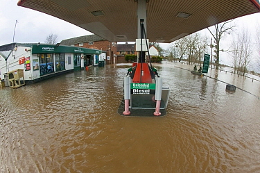 Petrol station flooded during the February 2014 floods, Upton upon Severn, Worcestershire, England, UK, 9th February 2014.