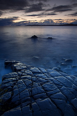 Dusk over Loch Scavaig from the beach at Elgol. Isle of Skye, Inner Hebrides, Scotland, UK. October 2012.