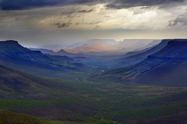 Grootberg plateau overlooking the Klip river valley, Damaraland, Kunene region, Namibia