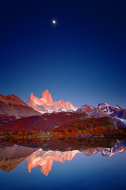 Mount Fitz Roy in Patagonia at sunrise. Los Glaciares National Park, Argentina.