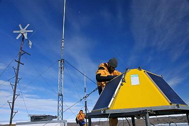 Maintenance of a meteorological station, Vestfold Hills, Antarctica February 2007