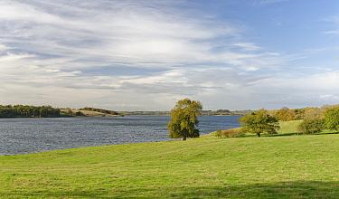 Rutland Water reservoir, view west from the Hambleton peninsula, Rutland, UK, October 2020.