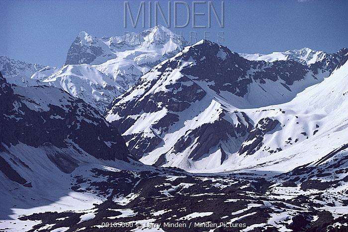 Andes mountains near Santiago, Chile  -  Larry Minden