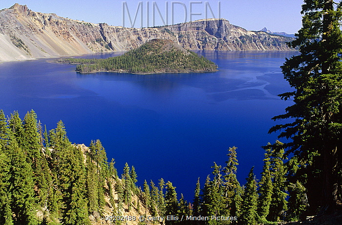 Wizard Island, cone of destroyed Mt Mazama and remains of lava flow in Crater Lake National Park, Oregon  -  Gerry Ellis