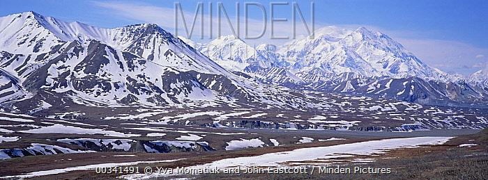 Alaska Range in spring snow, Denali National Park and Preserve, Alaska  -  Yva Momatiuk & John Eastcott