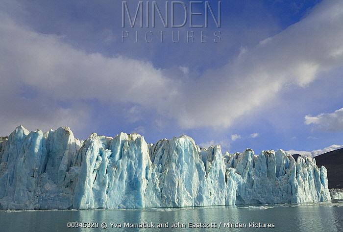 Neumayer Glacier, fall morning, Cumberland Bay West, South Georgia Island Southern Ocean, Antarctic Convergence  -  Yva Momatiuk & John Eastcott