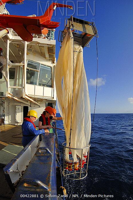 Sampling deepsea marine plankton from 1000m depth using multi-nets, RV Polarstern operated by the Alfred Wegener Institute for polar and marine research, Atlantic Ocean  -  Solvin Zankl/ npl