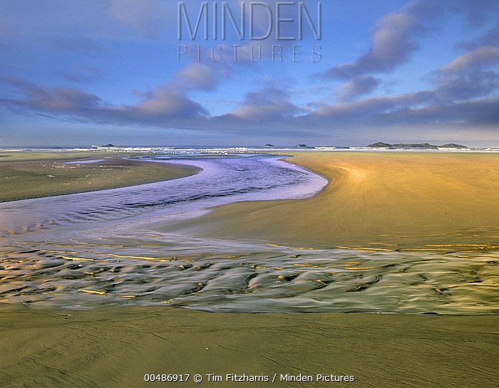 Comber Beach, Pacific Rim National Park, Canada  -  Tim Fitzharris