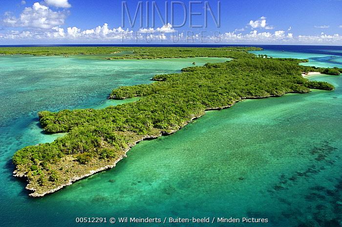 Aerial view, Aldabra, Seychelles  -  Wil Meinderts/ Buiten-beeld