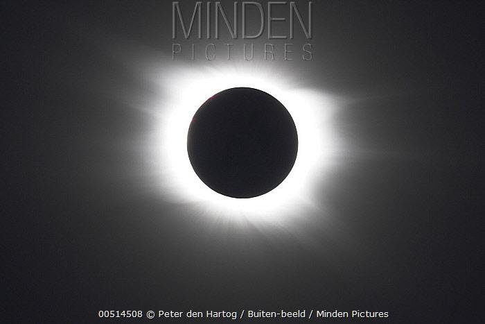 Total solar eclipse, Libya  -  Peter den Hartog/ Buiten-beeld