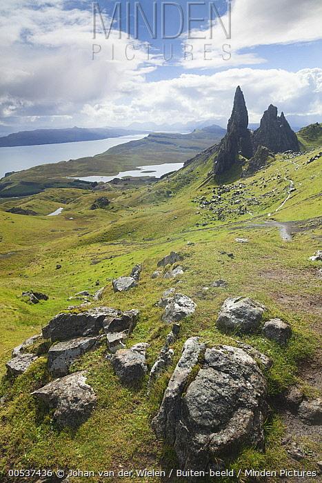 Old Man of Storr rock formation, Trotternish Peninsula, Isle of Skye, Scotland  -  Johan van der Wielen/ Buiten-bee