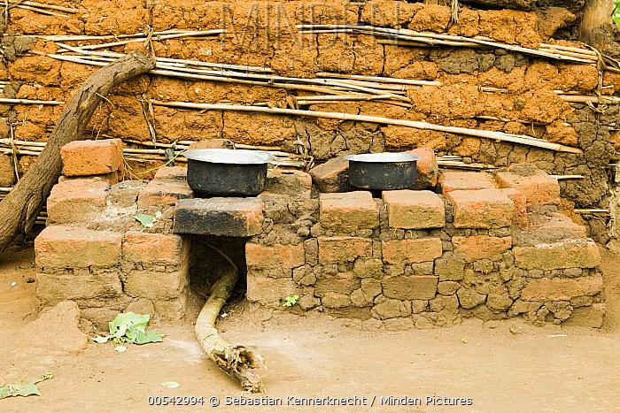 Firewood efficient oven, Bigodi, western Uganda  -  Sebastian Kennerknecht