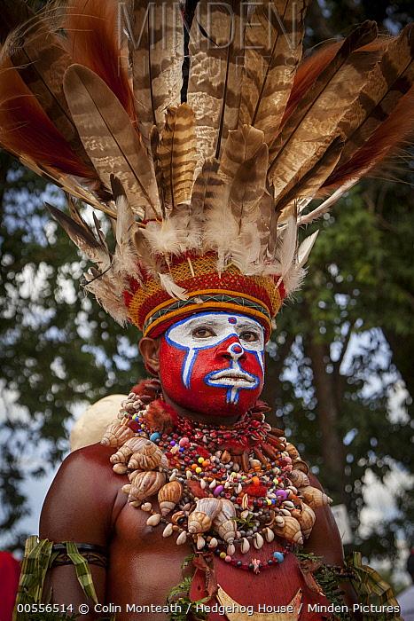 Man in ritual make-up and traditional clothing during a sing-sing, Goroka Show, Goroka, Eastern Highlands, Papua New Guinea