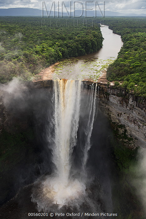 Kaieteur Falls where the Potaro River runs into the Essequibo River, Kaieteur National Park, Guyana