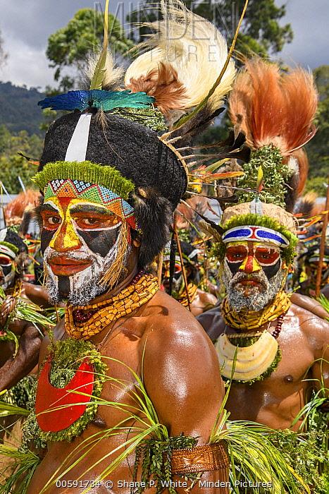 Aiyel tribe men, Enga Show, Wabag, Western Highlands, Papua New Guinea