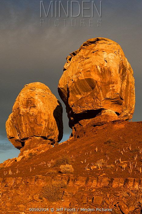 Rock formations, Twin Rocks, Capitol Reef National Park, Utah