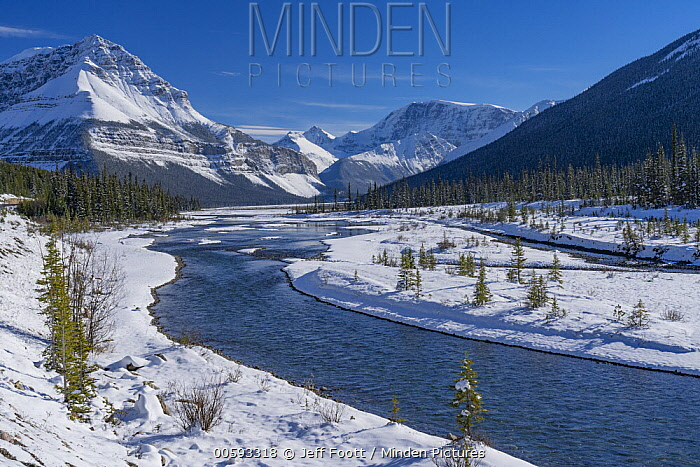 Mountains and river after autumn snowfall, Sunwapta River, Jasper National Park, Alberta, Canada