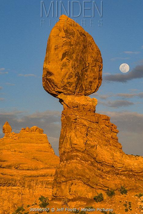 Full moon and Balanced Rock, Arches National Park, Utah