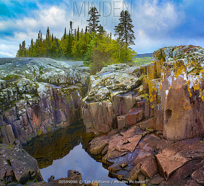 Lakeshore, Lake Superior, Artists Point, Grand Marais, Minnesota