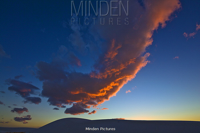 Gypsum sand dunes at sunset, White Sands National Monument, New Mexico
