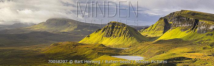 Mountains, Isle of Skye, Scotland, United Kingdom  -  Bart Heirweg/ Buiten-beeld