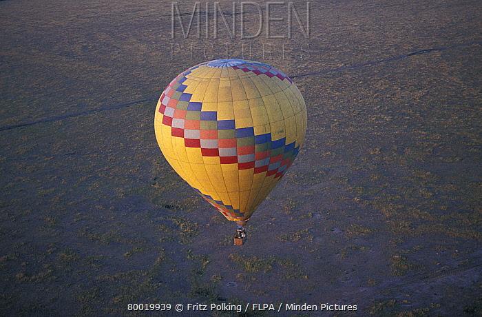 Ballooning Hot air balloon above Africa, Masai Mara, Kenya, September  -  Fritz Polking/ FLPA