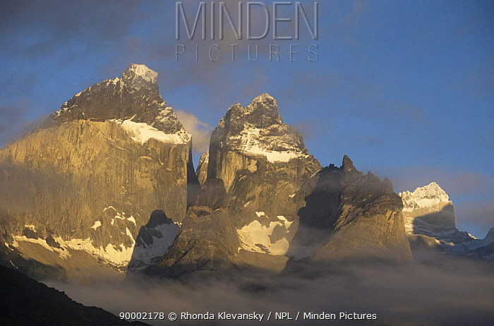 Paine mountain range at dawn, Torres del Paine NP, Southern Chile  -  Rhonda Klevansky/ npl