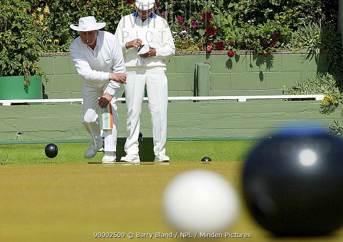 Men playing Lawn Bowls, Macandrew Bay Bowling Clug, New Zealand, 2004  -  Barry Bland/ npl