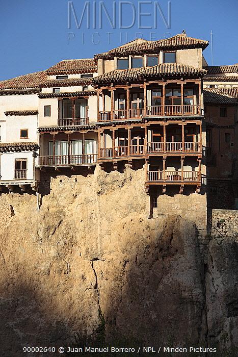 Hanging houses of Cuenca, Spain  -  Juan Manuel Borrero/ npl