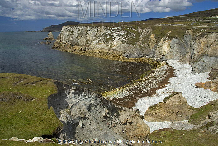 Portnahally, Ashleam Bay, Achill Island, County Mayo, Ireland  -  Adrian Davies/ npl